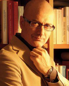 escritor Antonio Garrido