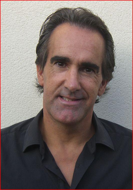 escritor Javier Iriondo