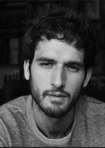 escritor Álvaro Arbina