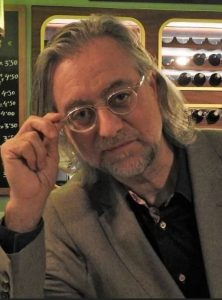 escritor Víctor Amela