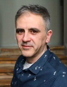 escritor Marcelo Luján